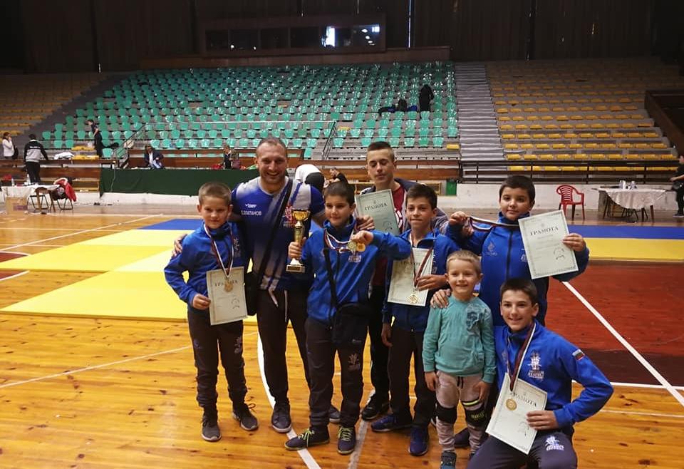 10 медала от 10 участника от Международен турнир по джудо Перник 2018